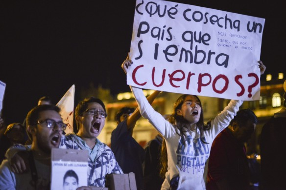 Manifestación por Ayotzinapa Foto: Adolfo Vladimir /CUARTOSCURO.